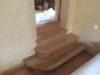 3-marches-pour-un-escalier-en-bois-entre-deux-pices